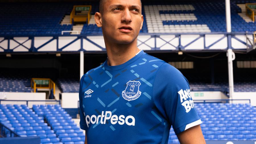 Everton Unveils New Goodison Inspired 2019 20 Home Kit