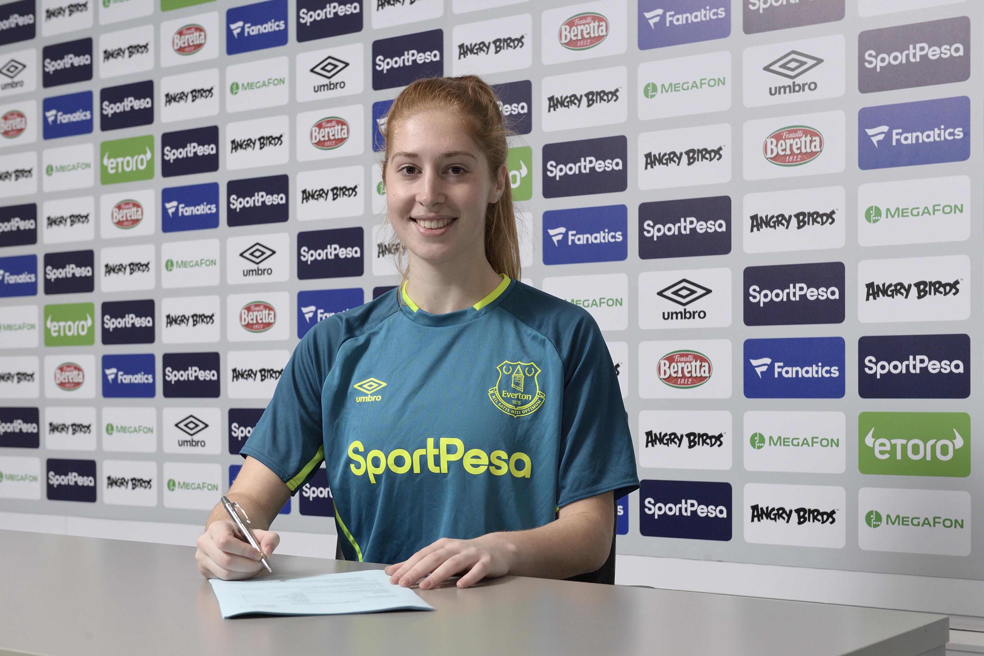 Everton Women Sign Goalkeeper Maciver